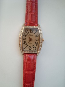 Lady Rhinestone Quartz Movement Watch with Rectangle Dial/PU Leather Band/Big Scale-Red band. Обзор на InSKU.com