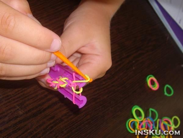 Набор для творчества: резинки для плетения браслетов + инструмент х 5 с Chinabuye. Обзор на InSKU.com